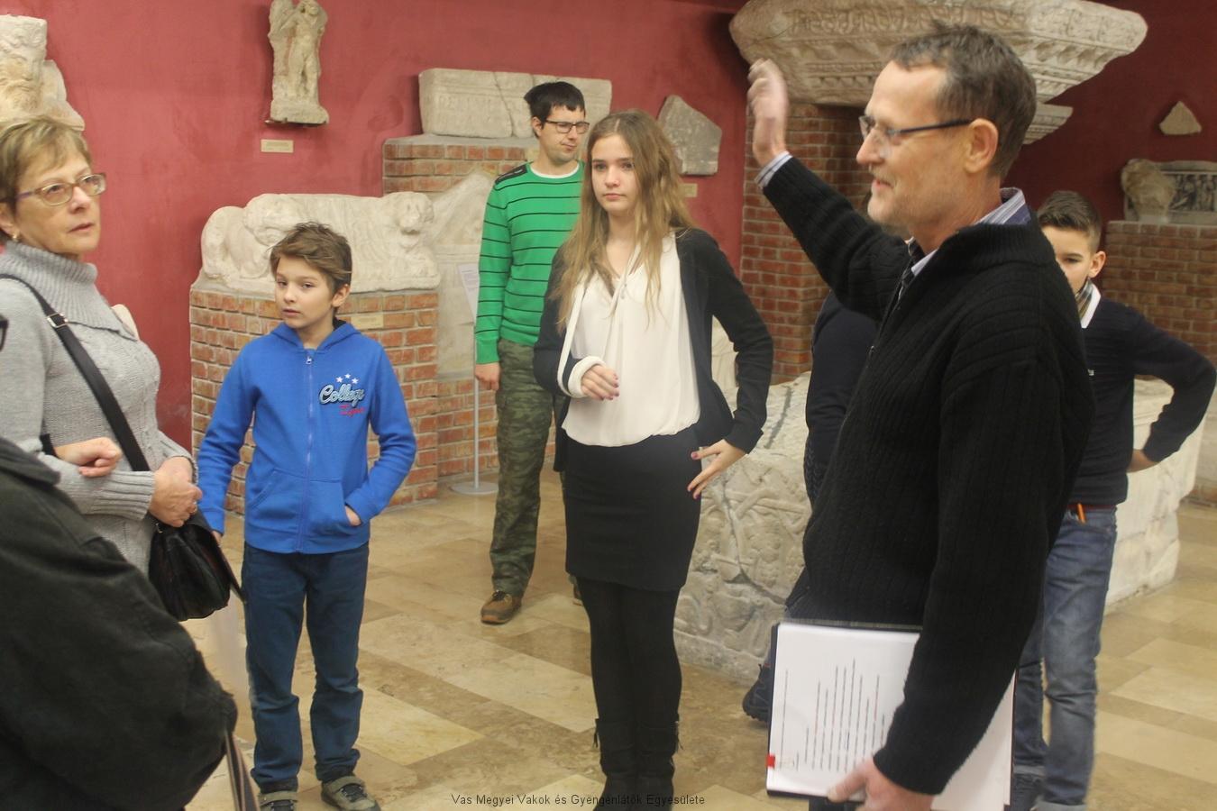 A Múzeumbogarak bemutatják a Kőtárat.