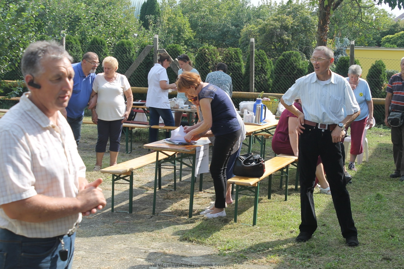 Bősze György elnök úr megnyitja a lengőteke bajnokságot. 3 csapat versenyzett: az Intézmény csapata, a mozgáskorlátozottak csapata és a VGYVE csapata volt a kihívó. A bajnokságot a SZMJV támogatta.
