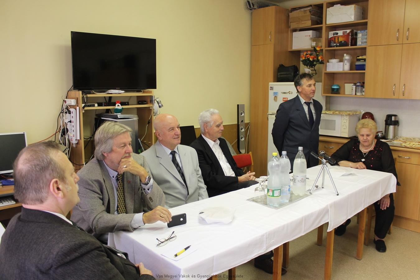 Az ünnepségre eljött a Savaria Lions Club vezetősége, Fekete Árpád a Vas megyei Szakosított Intézmény igazgatója, Márkus Árpád pedig a Nyugdíjas Szövetséget képviselte.