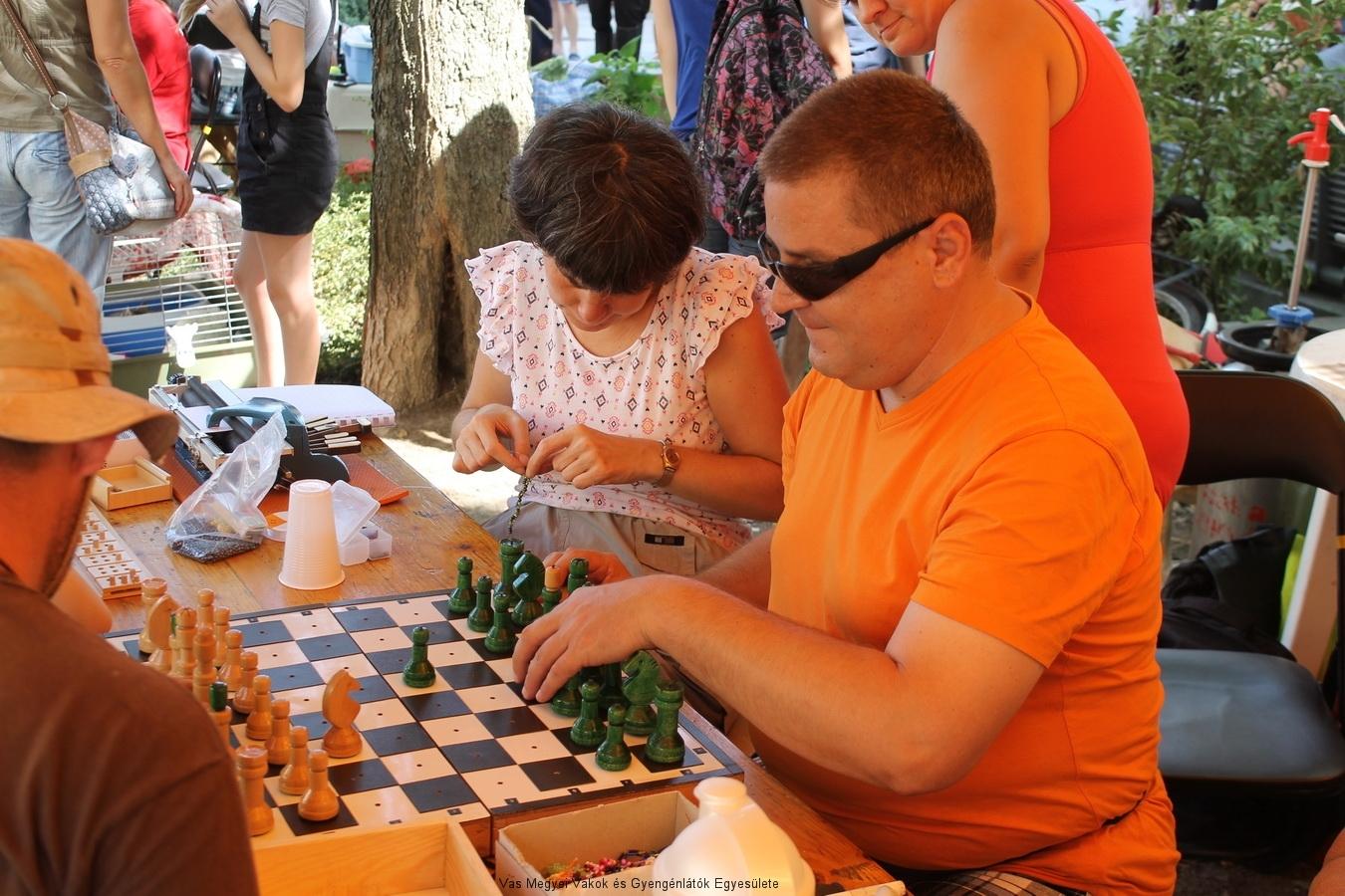 Kocsis Tamással lehetett sakkozni is.